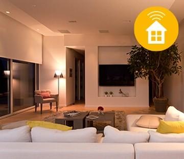 Täysin yhteensopiva johtavien Smart Home -ratkaisujen kanssa